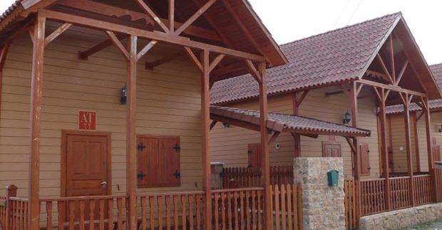Casas de madera montes universales de Casas Carbonell