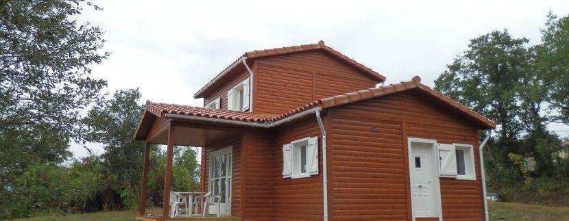 Construcción de casas de madera en suelo rustico